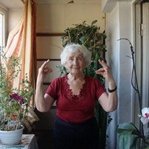 КОМПЛЕКС ВПРАВ ДЛЯ АКТИВНОГО ДОВГОЛІТТЯ ВІД 91-річної Олени Іванівни СТЕЖЕНСЬКОЇ