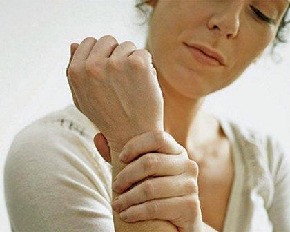 Що робити в разі оніміння рук?
